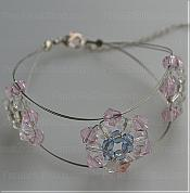 Instructions on how to make bracelets out of only a few Swarovski Crystal Beads