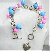 How to make a charm bracelet-make a charm bracelet to dress up your outfit at once