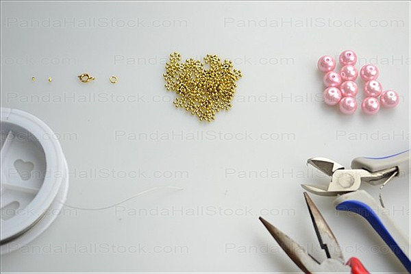 Materials used in bracelet making instructions