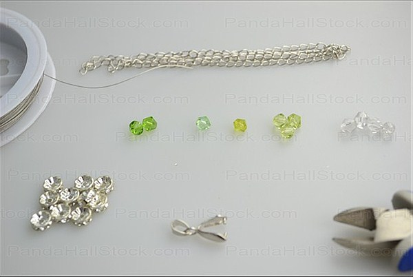 What you need to make a crystal necklace