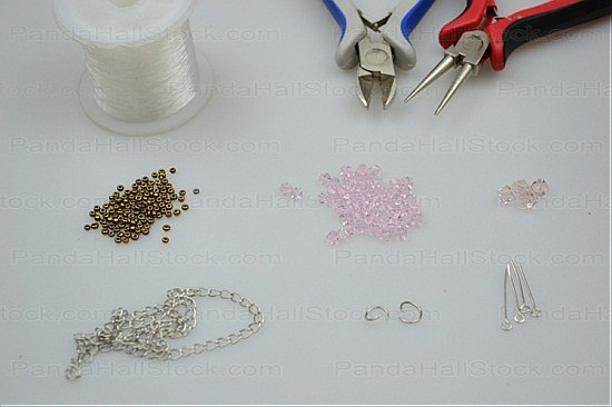 Materials in how to make necklaces