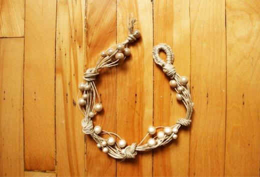 making a hemp bracelet