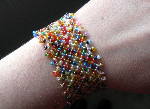 Seed Bead Projects Make A Mesh Bracelet Nbeads Unique Seed Bead Patterns
